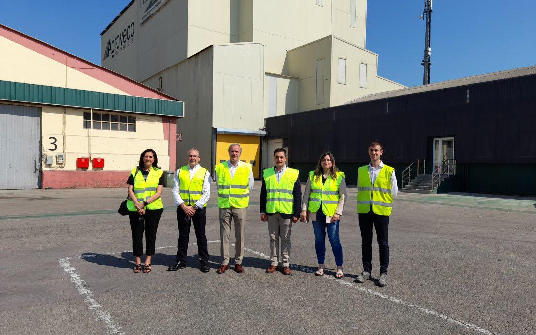 El alcalde de Zaragoza, Jorge Azcón, visita las instalaciones de Grupo Agroveco